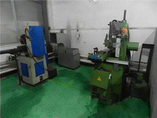 In the corner of grinding machine